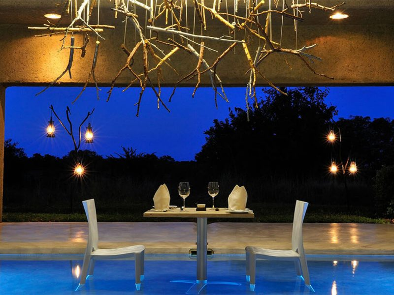luxury-safari-south-africa-sabi-sabi-earth-lodge-pool